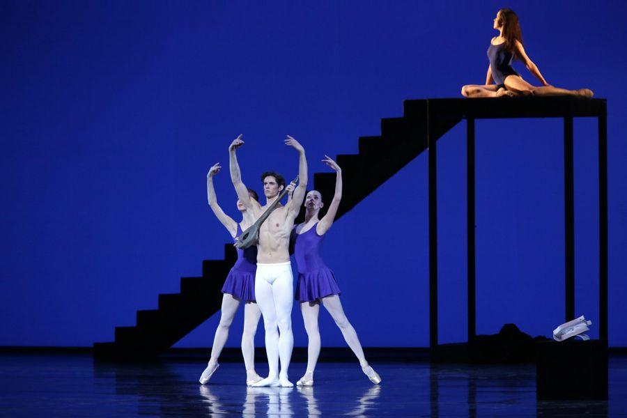 Видео голая балерина на сцене мариинки но